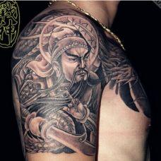 炫酷手臂关公半胛纹身图案