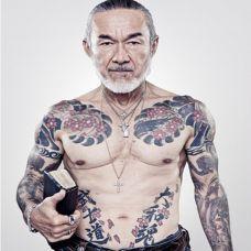 日本人气牧师Arthur Hollands纹身写真