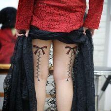 美女腿部性感蕾丝纹身诱惑