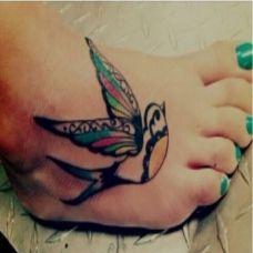 脚背小清新燕子纹身组图