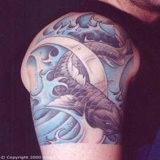 彩绘鲤鱼财源滚滚纹身图案