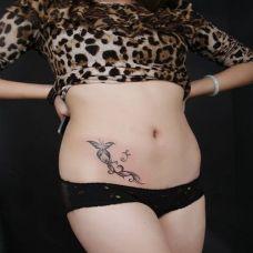 艺术花边腰部纹身