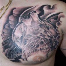 狼之呻吟胸部纹身图案