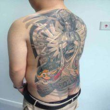 霸气男生满背千手观音纹身图片