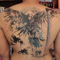 经典水墨背部纹身