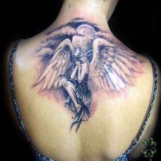 天使纹身带来的守护