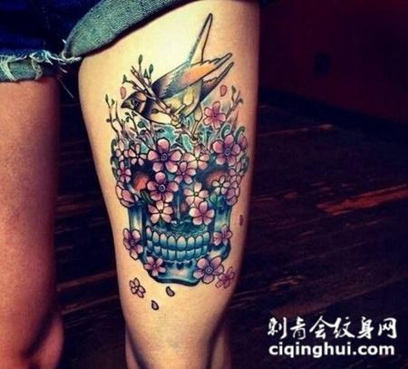 文艺骷髅腿部纹身