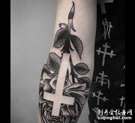 简约 小臂外侧 十字架 玫瑰花
