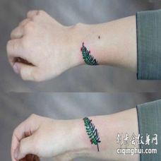 小清新手腕叶子纹身图案