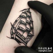 Old School小臂帆船纹身图案