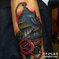 Old School小臂鸟玫瑰纹身图案