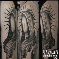 写实大臂女人纹身图案