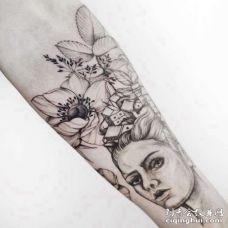 点线小臂女人花卉纹身图案