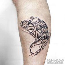 点线小腿变色龙纹身图案