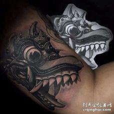 New School大臂怪兽纹身图案