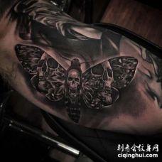 写实大臂蝴蝶纹身图案