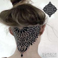 点刺几何后脑勺繁花纹身图案