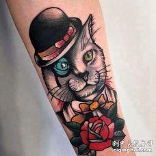 New School小臂猫纹身图案