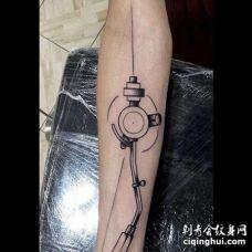 线条小臂纹身图案