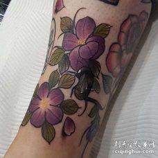 New School小腿花卉蜜蜂纹身图案