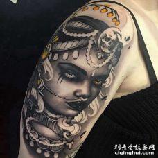 New School大臂女人纹身图案