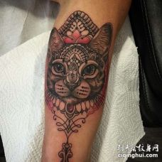 New School大臂猫纹身图案