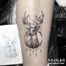 点刺小腿鹿纹身图案