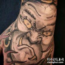 新传统手背不动明王纹身图案