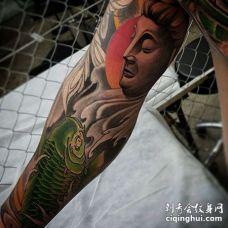 新传统小臂鲤鱼纹身图案