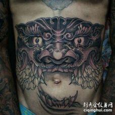 新传统腹部唐狮纹身图案