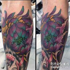 新传统小腿菊花纹身图案