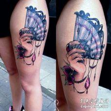 New School大腿手纹身图案