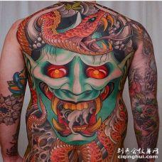 新传统后背般若蛇纹身图案