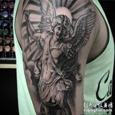写实 大臂外侧 天使