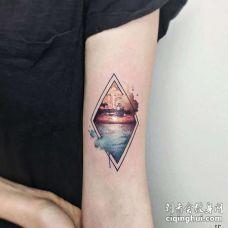水彩大臂风景纹身图案
