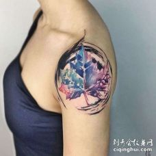 水彩大臂叶子纹身图案