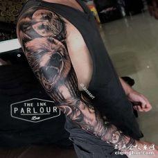 写实大臂熊纹身图案