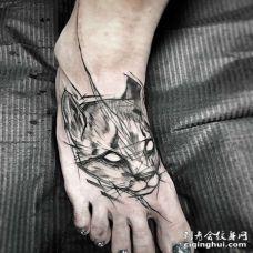 线条脚背猫纹身图案