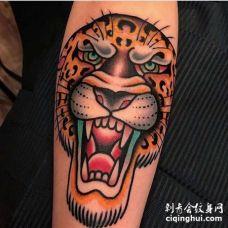 Old School小腿豹子纹身图案