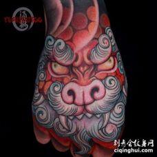 新传统手背唐狮纹身图案