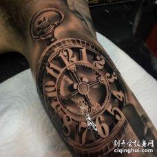 写实大臂钟表纹身图案