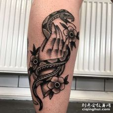 New School小腿手蛇纹身图案