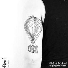 小清新大臂热气球纹身图案