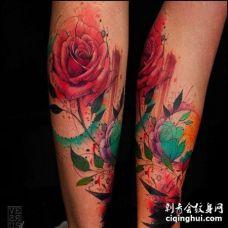 水彩小腿玫瑰纹身图案