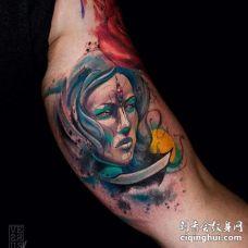 水彩大臂女人纹身图案