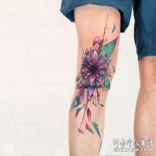 水彩膝盖繁花纹身图案