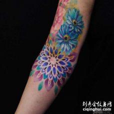 水彩大臂花卉纹身图案