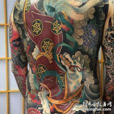 日式后背九尾狐纹身图案