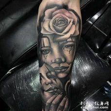 写实小臂女人面具纹身图案