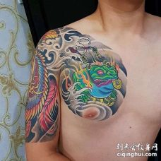 新传统前胸金蟾纹身图案